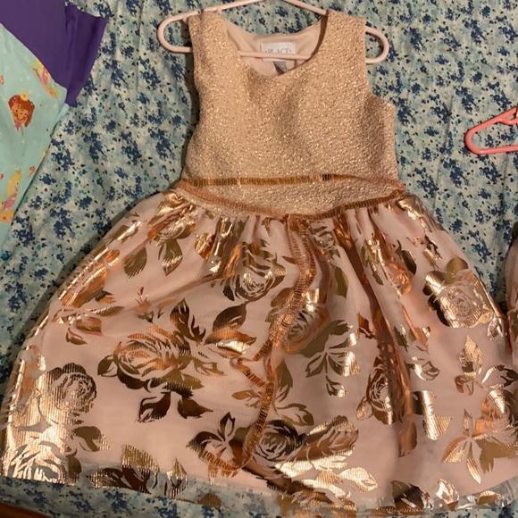 Twinning Dresses 💕